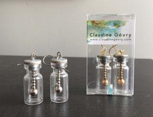 Umbra-Lux-medicine-bottle-earrings